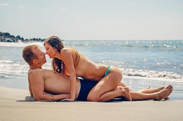 Trucos para Tener Sexo en Verano y Darte un Chapuzón de Placer