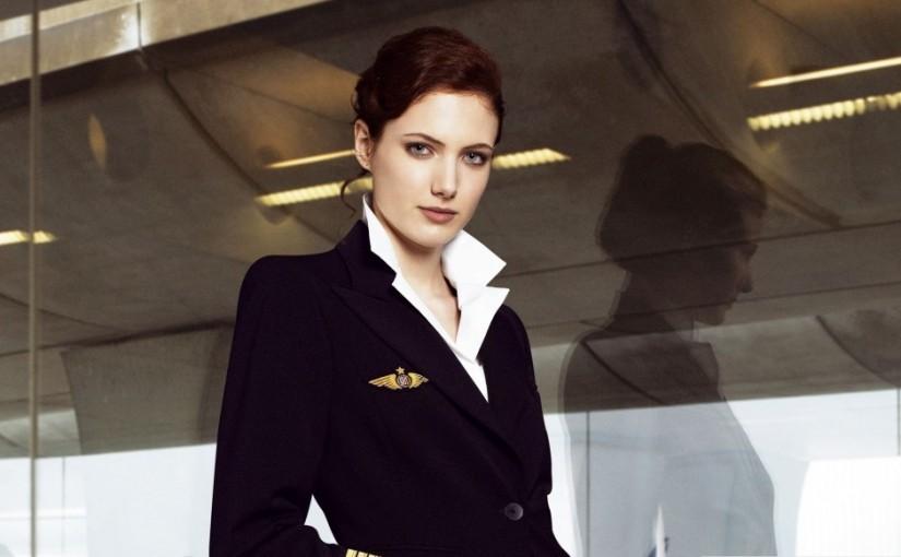 Escorts con uniforme de azafata: ¿Por qué les excitamos tanto a los hombres?